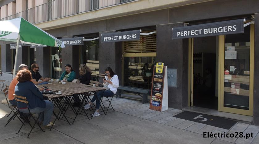 B-Perfect-Burgers-Loja-Entrecampos-Rota-dos-Hambúrgueres-2016