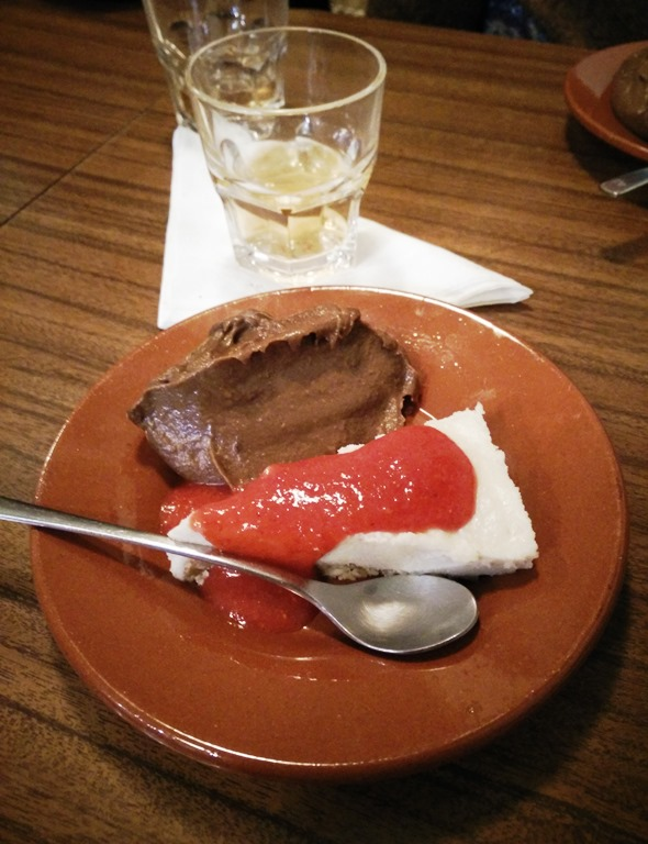Mousse de cacau e cheesecake -Eléctrico 28
