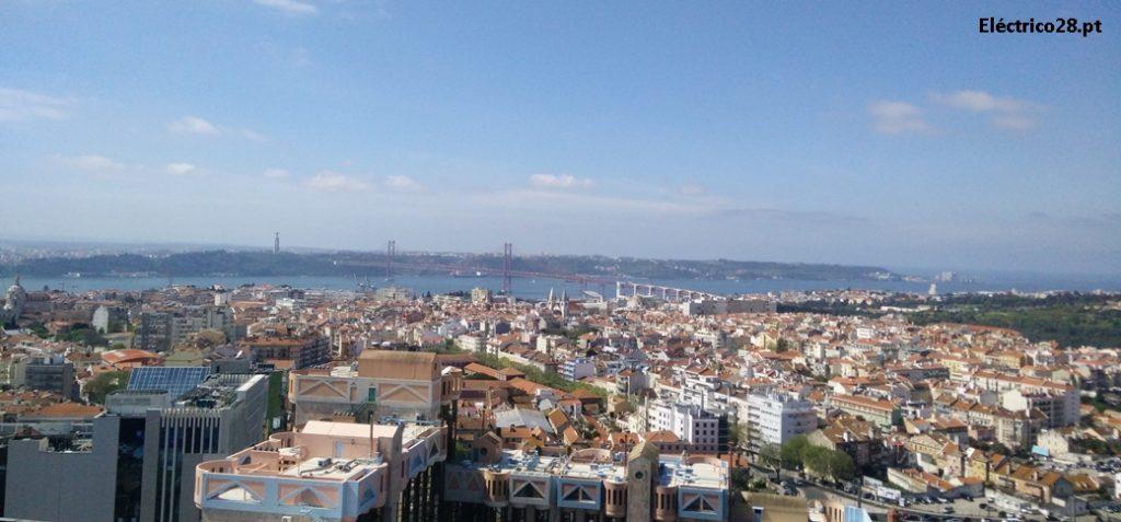 Aproveita os fins de semana de Agosto para visitares gratuitamente o Miradouro Amoreiras 360º Panoramic View! A melhor vista de Lisboa!