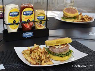 A Rota dos Hambúrgueres está de volta a Lisboa e tive o prazer de os provar. Não deixes de o fazer também, porque garanto que vais ficar de boca aberta!!!