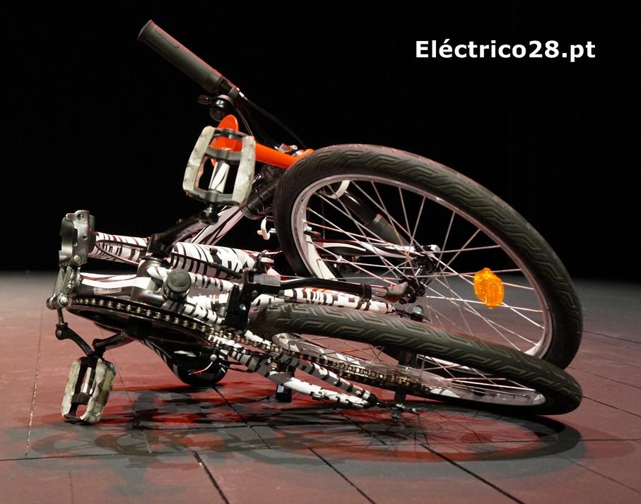 bicicleta-zebra-filho-da-treta